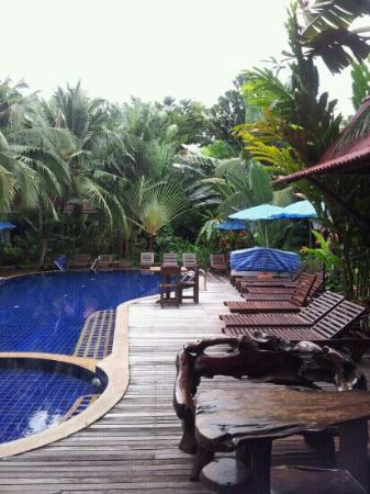 Chaba Hut Resort: nice pool nice rooms