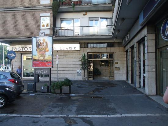 Heart of Rome B&B entrance