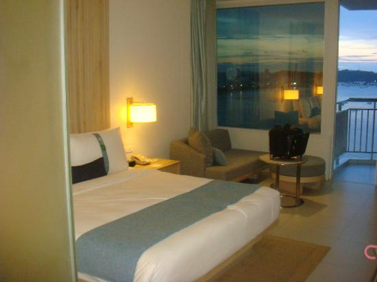 Holiday Inn Pattaya : room