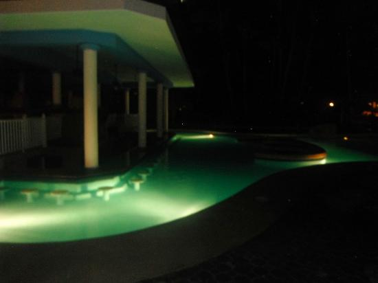 ClubHotel Riu Bambu: Swim up bar
