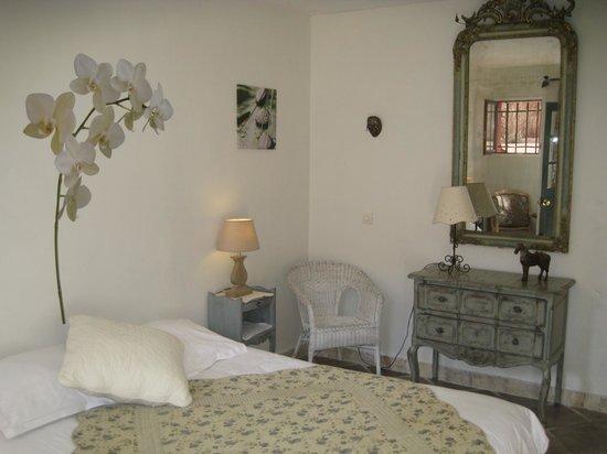 La Garrigue : Chambre Amande