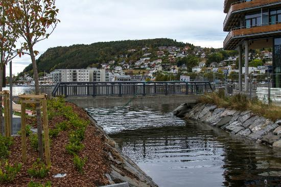 Quality Hotel Ulstein: Nice area outside the hotel