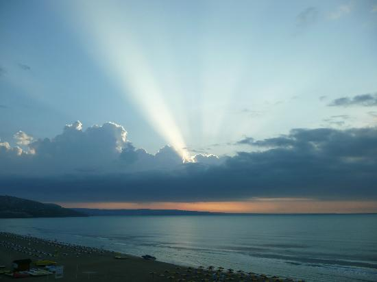 Hotel Borjana: May Sunrise over the Black Sea