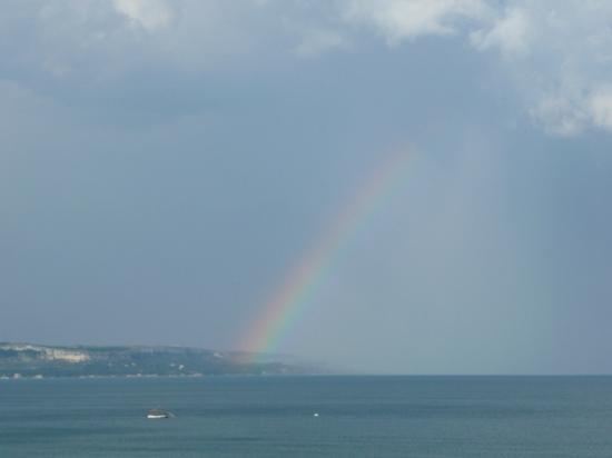 Hotel Borjana: Rainbow over the Black Sea