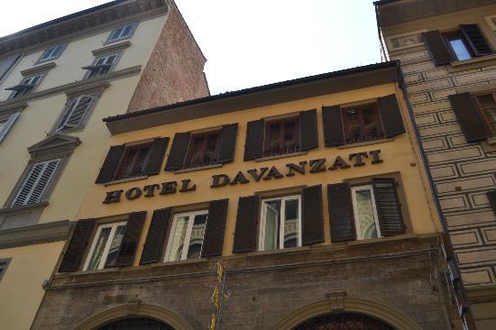Hotel Davanzati: Taken from the street below