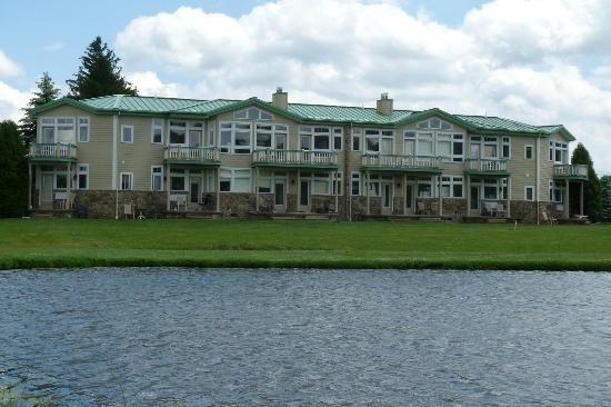 Fairway Suites at Peek n Peak: Rear View of the Fairway Suites, from the Golf Course