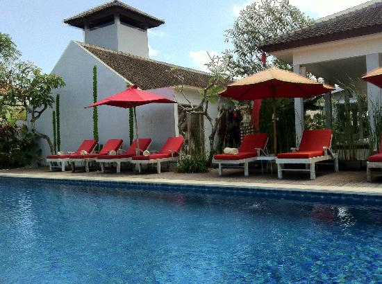 Ivory Resort Seminyak: Another day by the pool area
