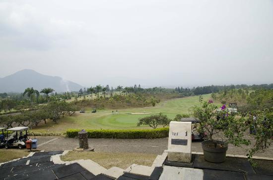 Giri Gahana Golf & Resort: Starter