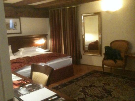 فندق راديسون بلو ألتشتات: room 