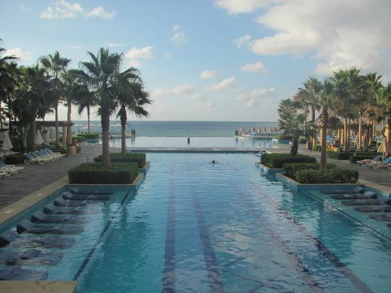 Hotel Riu Santa Fe: Infinity pool