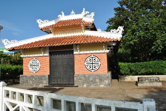 Ben Tre Province, Vietnam: Phan Thanh Gian's Tomb / Ba Tri town