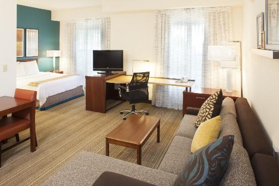 Residence Inn Asheville Biltmore: Newly Renovated Queen Studio Suite