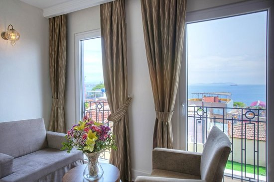 Aren Suites: Superior Double Room with Sea View