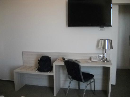 Medosz Hotel: Nice TV