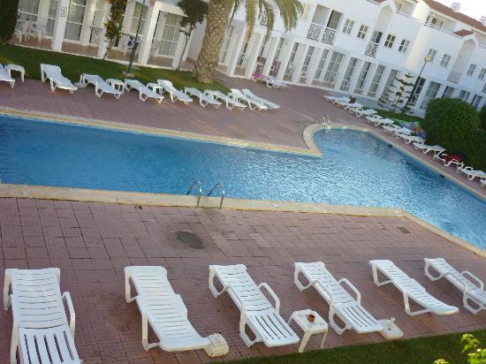 Ouratlantico Apartamento Turisticos: Good sized Pool