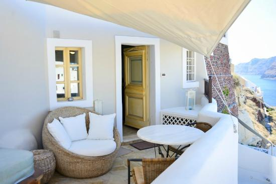 Art Maisons Luxury Santorini Hotels Aspaki & Oia Castle: Private Balcony