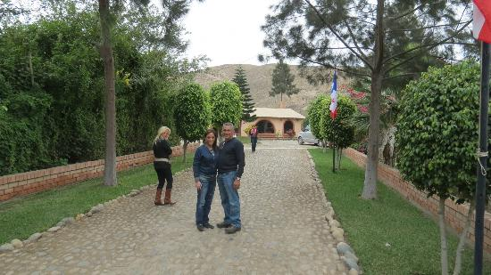 Casa Montero: My Mom and Dad