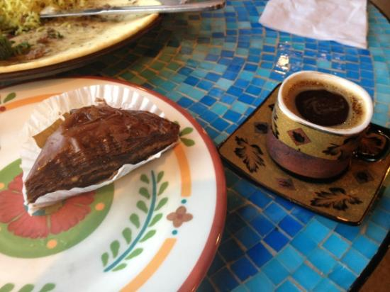 Chickpea Cafe: Chocolate baklava and Turkish coffee