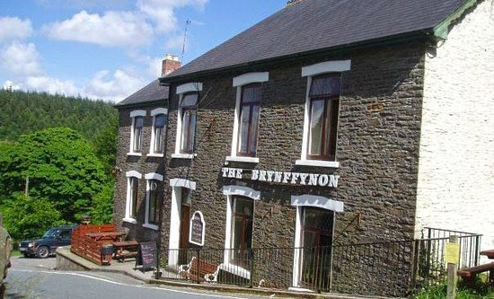 The Brynffynon Hotel: Warm welcoming family friendly pub and restaurant with real ales and home cooked food.
