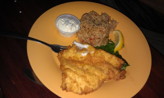 Sea Hag's Bar and Grill: Fried Grouper which was good