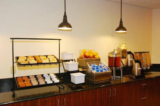 Best Western Gold Poppy Inn: Breakfast room