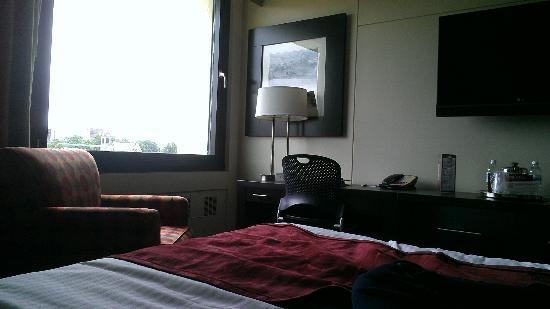 Hotel UMass: Room pt 1