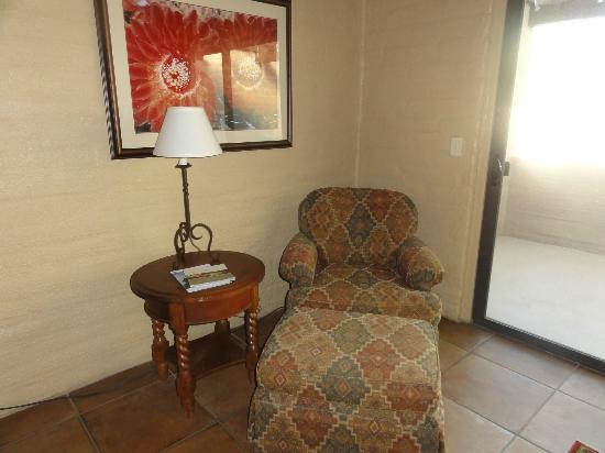 Hacienda Del Sol Guest Ranch Resort: Chair & ottoman
