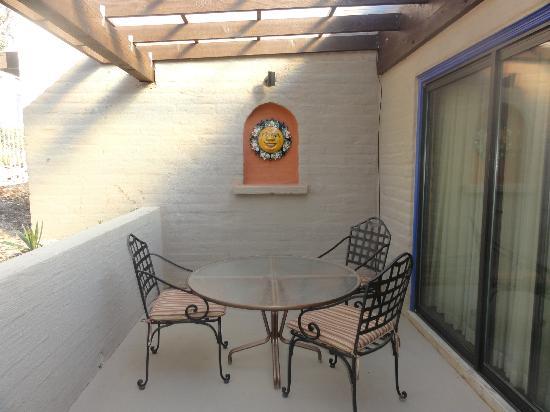 Hacienda Del Sol Guest Ranch Resort: private courtyard 