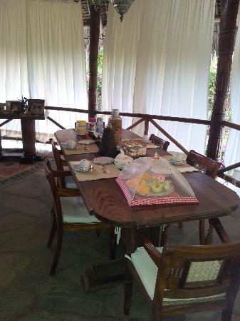 Simba House : La splendida tavola per la colazione!