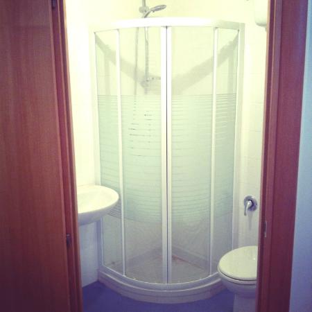 In Itinere: Our bathroom!