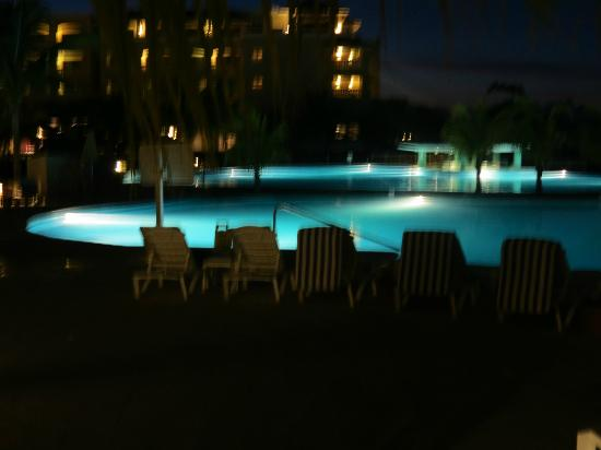 Iberostar Rose Hall Beach Hotel: Pool At Night