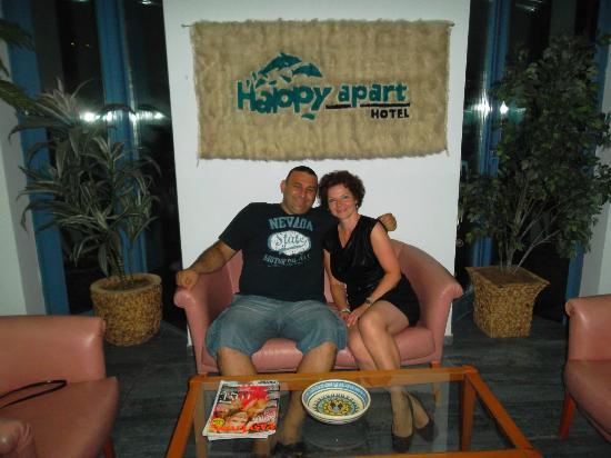 Happy Apart Hotel: Nuri & Lily :)