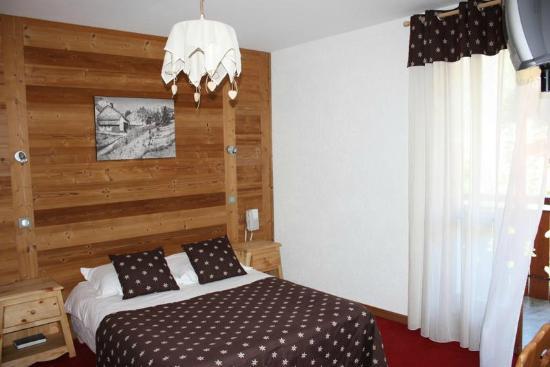 Hotel l'Igloo: Une chambre, esprit montagne...