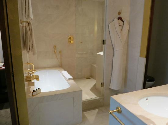 Park Hyatt Paris - Vendome : Bathroom