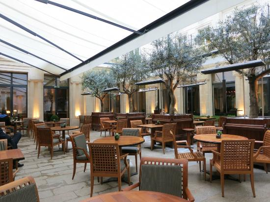 Park Hyatt Paris - Vendome: courtyard