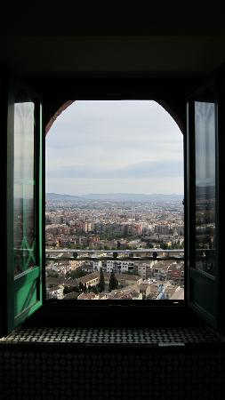 Alhambra Palace Hotel: View from the bathroom.