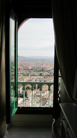 Hotel Alhambra Palace: Room balcony.