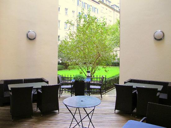 Hotel Scheuble: giardino interno
