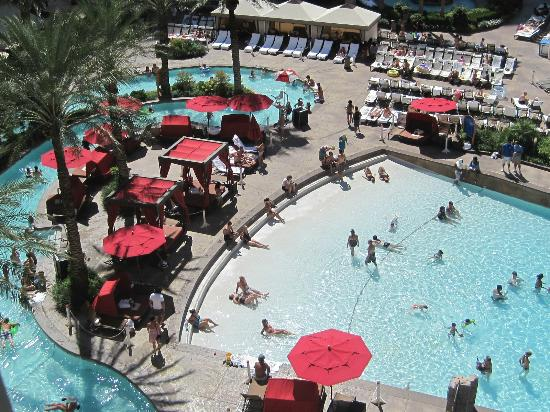 Monte Carlo Resort & Casino: Pool