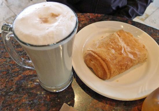 Caffe Acri: Early morning treat!