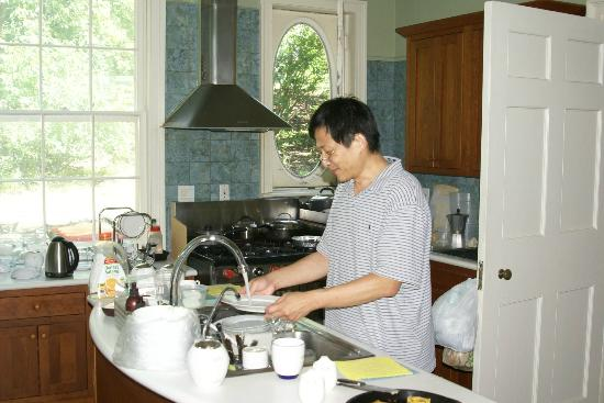 Chrystie House Bed and Breakfast: Yuan Lee - Owner
