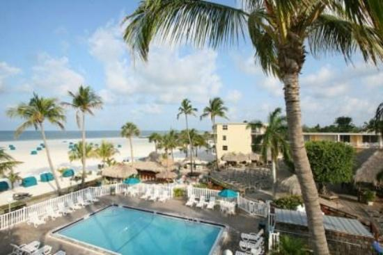 Outrigger Beach Resort: Pool