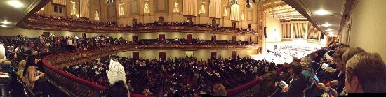 Boston Symphony Orchestra: Panorama picture just before the start of Porgy & Bess