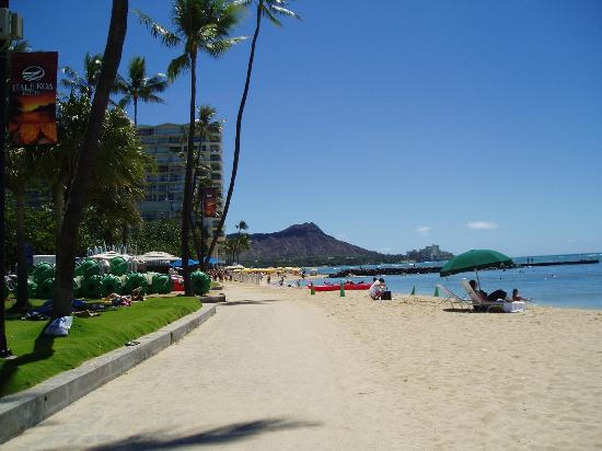 Hilton Hawaiian Village Waikiki Beach Resort View Of Diamond Head From In Front