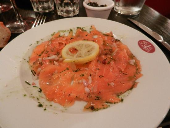 La Vache au Comptoir : Salmon appetizer - they wrap a fresh salmon in salt and herbs, then wrap tightly for a day or lo