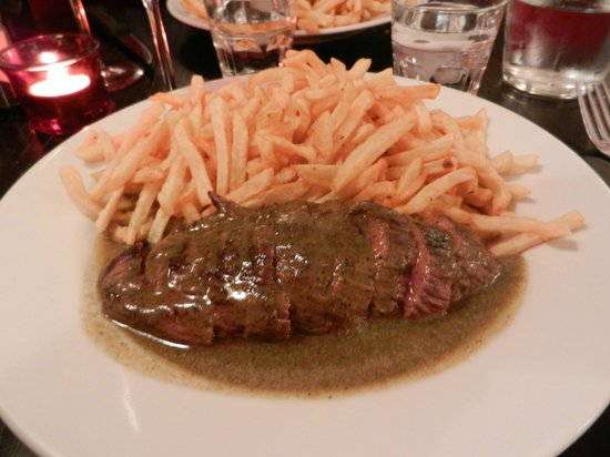 La Vache au Comptoir : Steak with patented spice rub and french fries