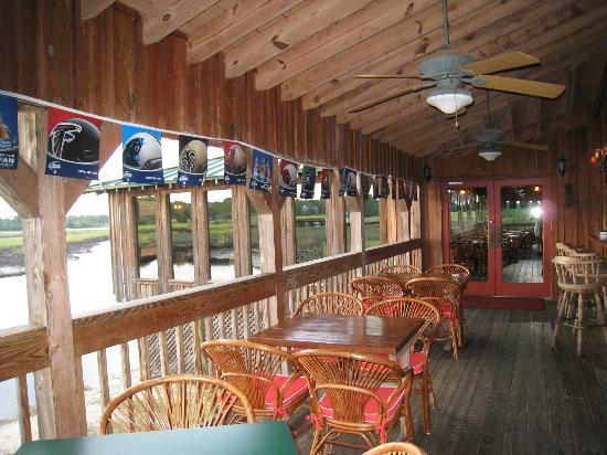 Borrell Creek Landing: outside deck