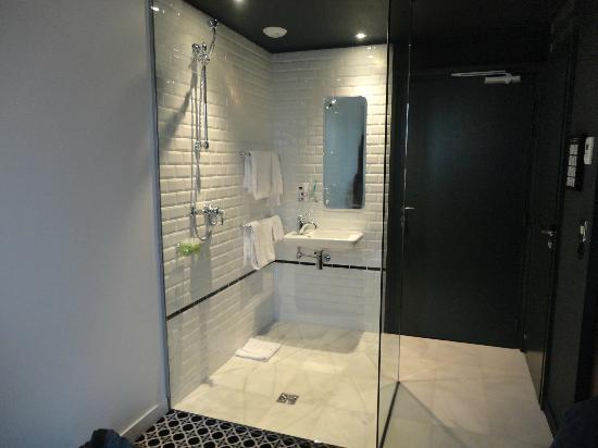 Hotel Emile Parijs : Bathroom picture of hotel emile paris tripadvisor