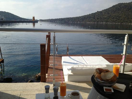 Doria Hotel Yacht Club Kas: private veranda with sea access