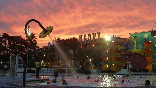 Disney's Pop Century Resort: flower pool at sunset